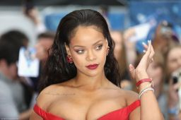 Snapchat, Rihanna Does Not Accept Your Apology